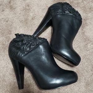 Steve madden leather heels black elastic ankle